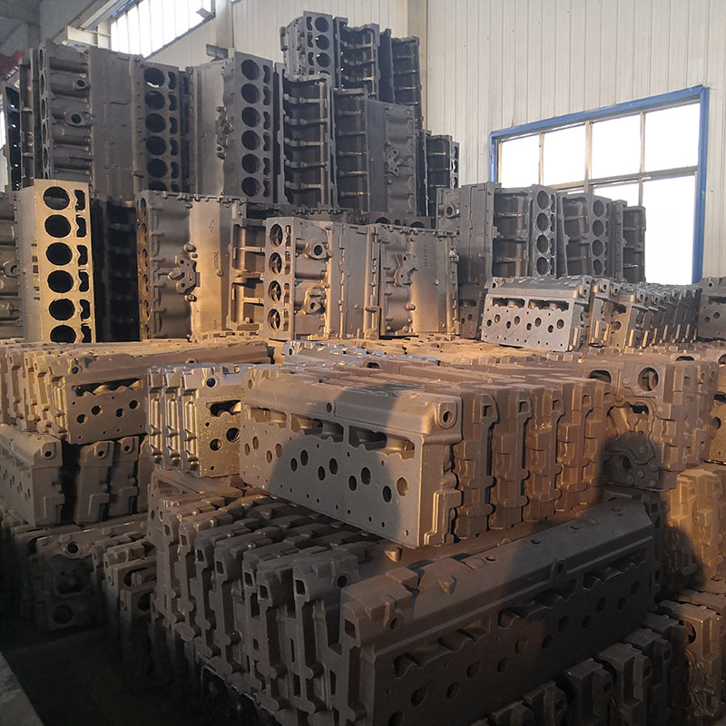 Construction machinery engine cylinder block and cylinder head